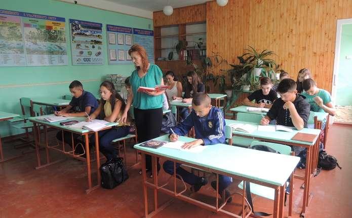 На голу ставку працювати вчителем у районі на Буковині ніхто не піде