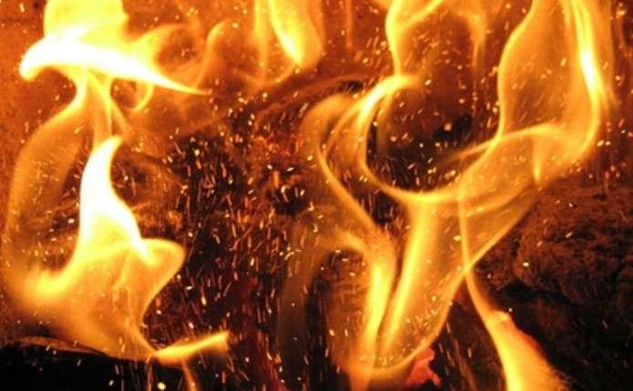 Буковинець постраждав під час пожежі, яку спричинили дитячі пустощі