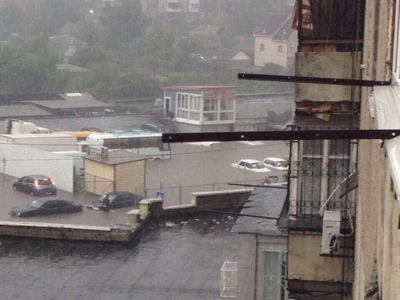 """""""Погода просто жесть. Все стоят в воде. Как будто по речке плыву"""", - вторые сутки в Одессе идут сильные дожди - Цензор.НЕТ 9258"""