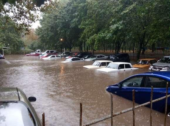 """""""Погода просто жесть. Все стоят в воде. Как будто по речке плыву"""", - вторые сутки в Одессе идут сильные дожди - Цензор.НЕТ 5661"""