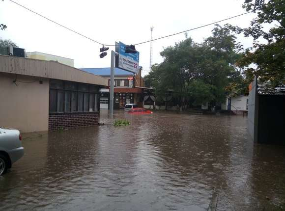 """""""Погода просто жесть. Все стоят в воде. Как будто по речке плыву"""", - вторые сутки в Одессе идут сильные дожди - Цензор.НЕТ 2364"""