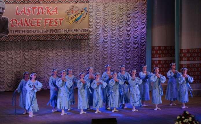 Міжнародний фестиваль збере у Чернівцях корифеїв народного танцю з різних країн світу