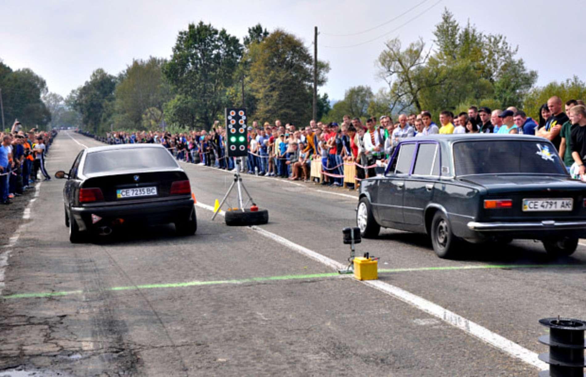 Змагання з драг-рейсингу відбулися у Сторожинці
