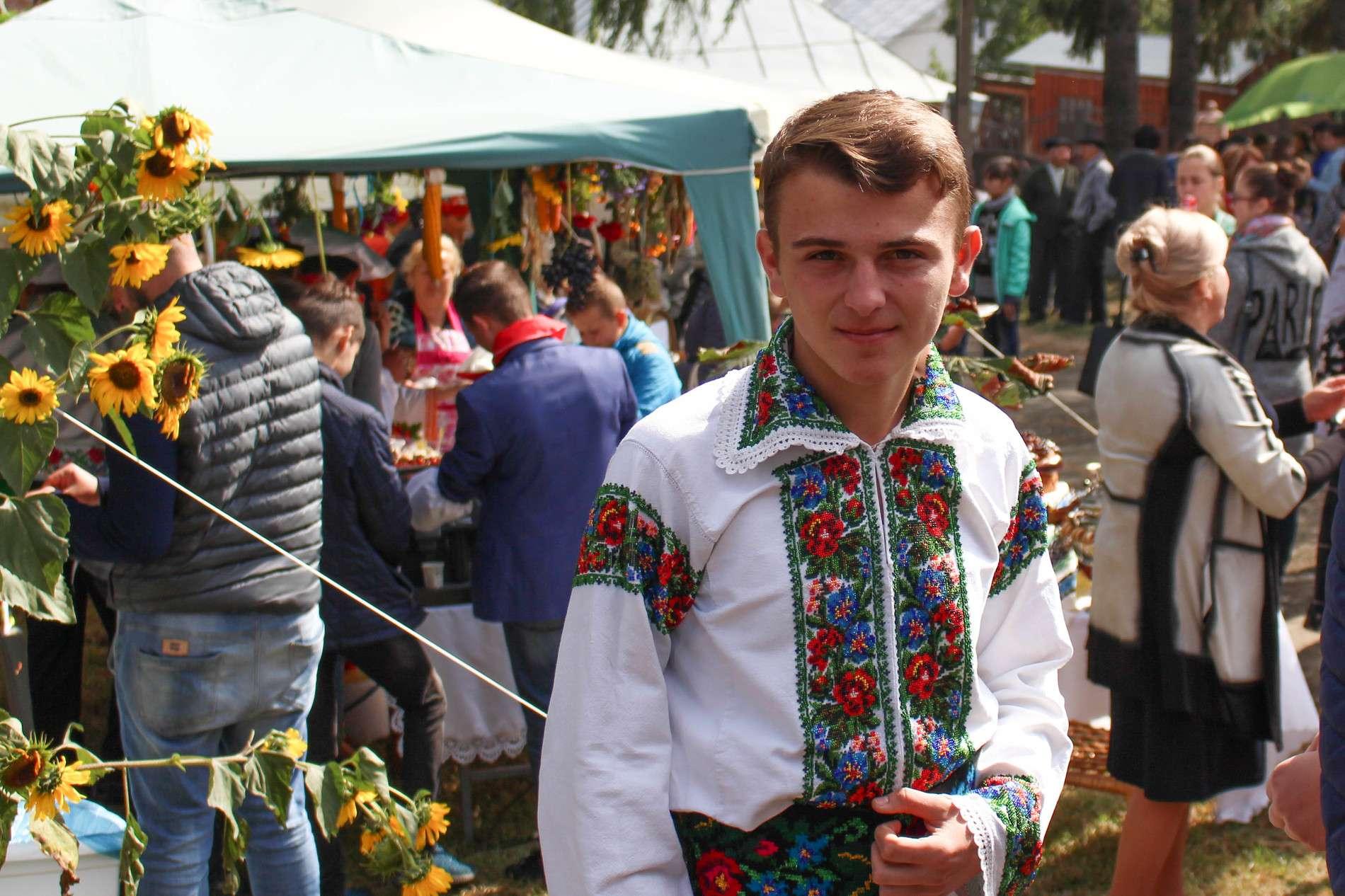 У селі Волока Чернівецької області відзначили свято урожаю
