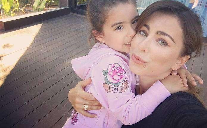 Ані Лорак з донькою прикрасила сторінки російського глянцю