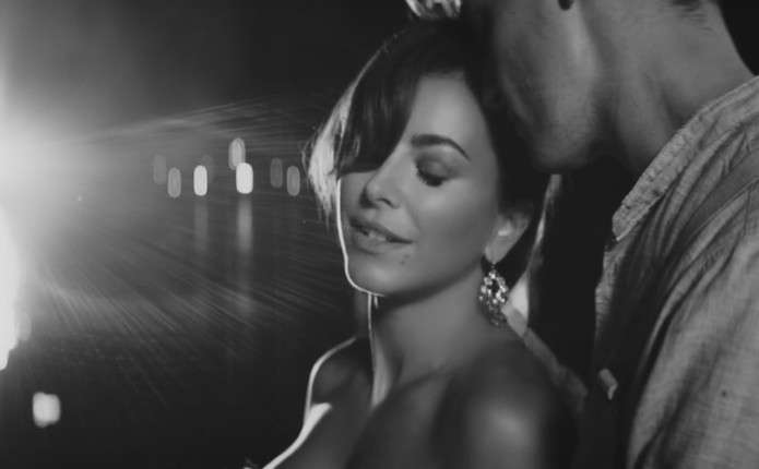 Ані Лорак презентувала відеокліп з вбивством коханого та гангстерами