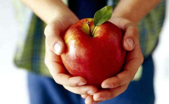У Всесвітній день серця чернівчан пригощатимуть яблуками