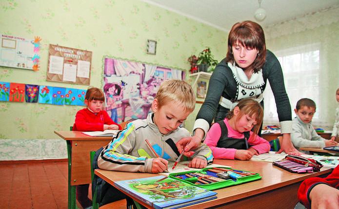 На громаду в Новоселицькому районі подали в суд через створення філій шкіл