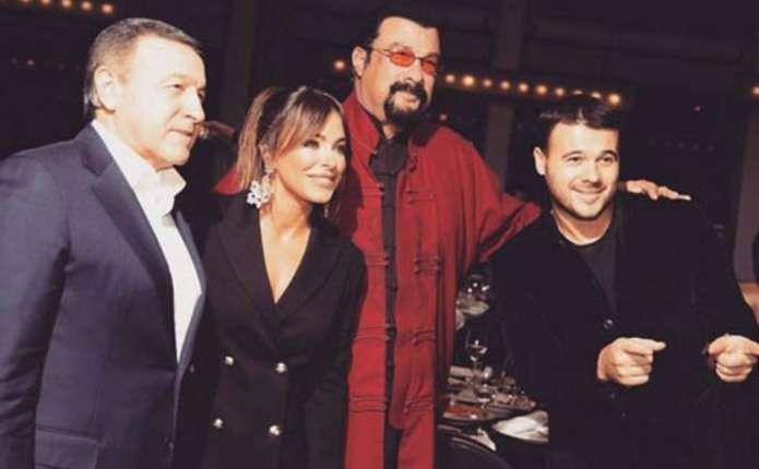 Співачка Ані Лорак похвалилася спільним фото з прихильником Путіна Стівеном Сігалом