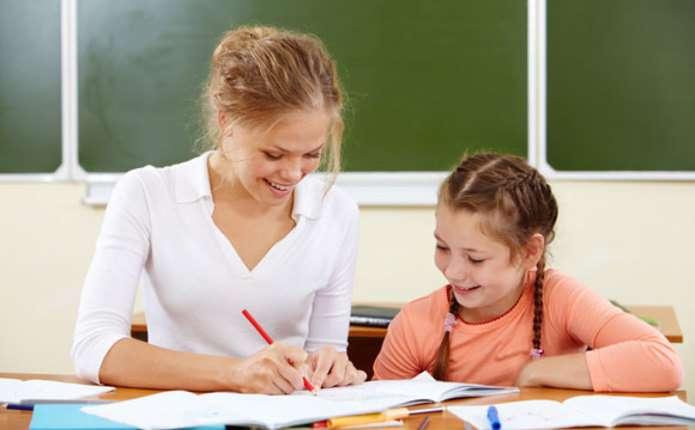 Порошенко дав чергову обіцянку: зарплата вчителівмає зрости на третину