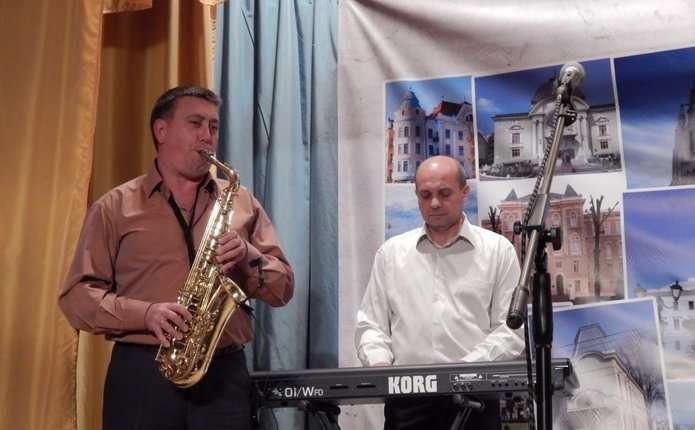 У Чернівцях відбувся концерт народного вокально-інструментального ансамблю Метроном