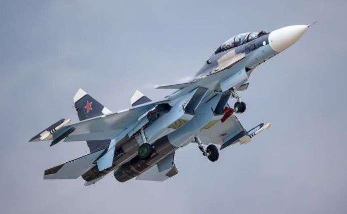 Мініоборони Росії відправило у Крим багатофункціональний винищувач Су-30СМ