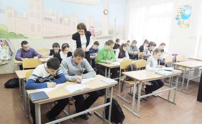 Молодий вчитель без вищої освіти наступного року зможе отримати майже 2,5 тис. грн.