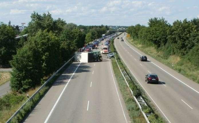 Український автомобіль потрапив у ДТП в Польщі, є постраждалі