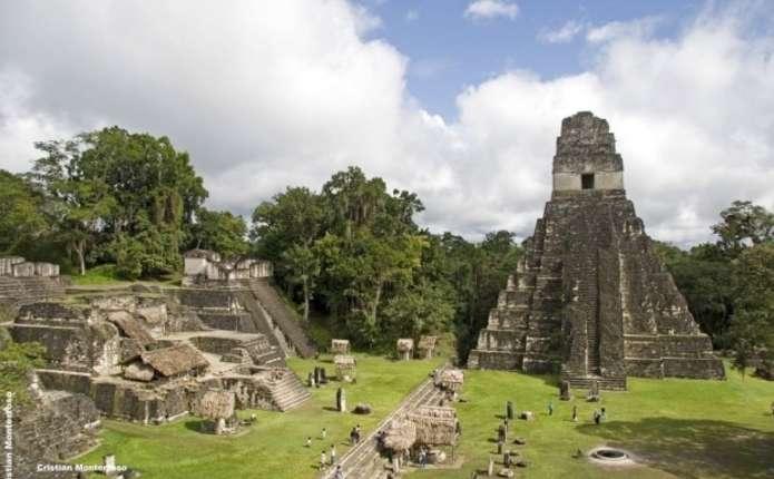 Археологи виявили на руїнах дві гробниці епохи Зміїних царів майя
