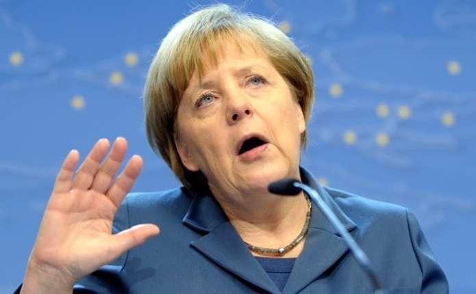 Меркель має намір закликати ЄС до нових санкцій проти Росії