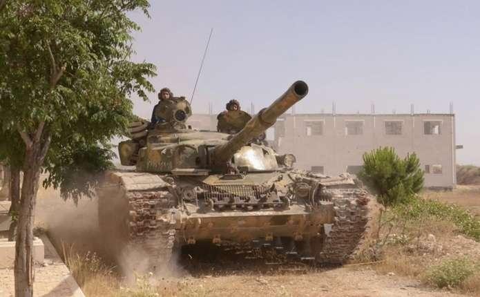 Танк  Т-72 двічі уникнув американської ракети