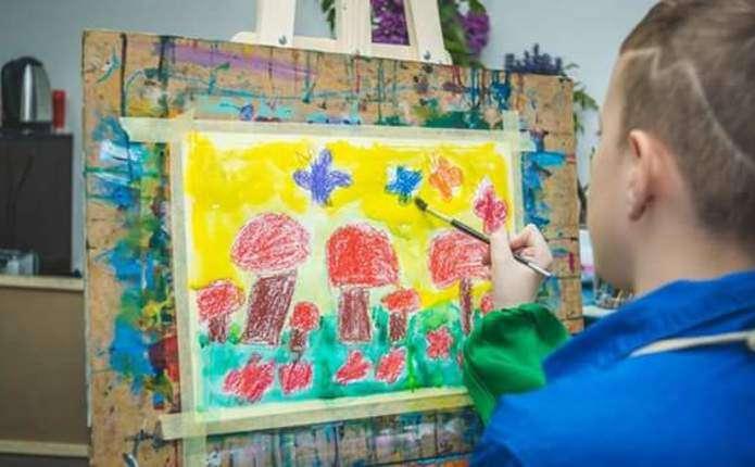 Виставку малюнків буковинського хлопчика-аутиста відкрили в Італії