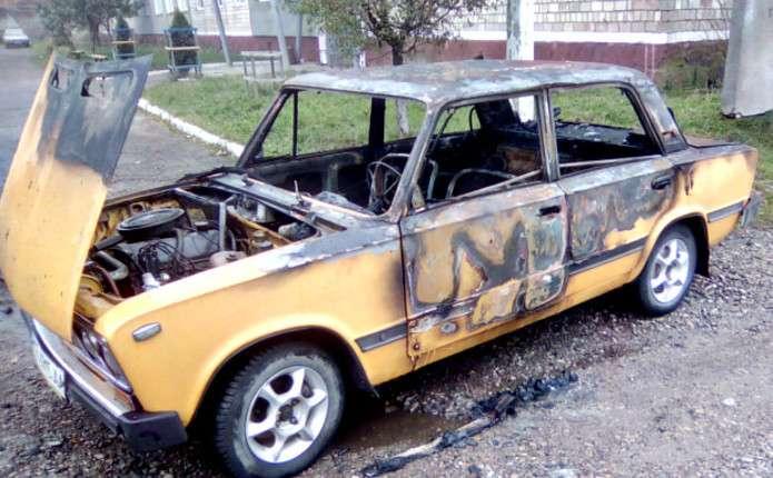 Вночі у Сторожинці згоріла машина