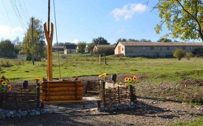 У селі на Хотинщині відновили старовинну криницю