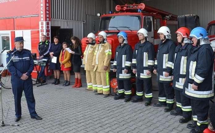 Пожежники у Недобоївській ОТГ розвозять людям воду