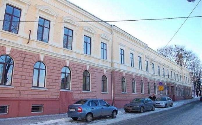 41 школу у Чернівцях перевіряє санепідемслужба