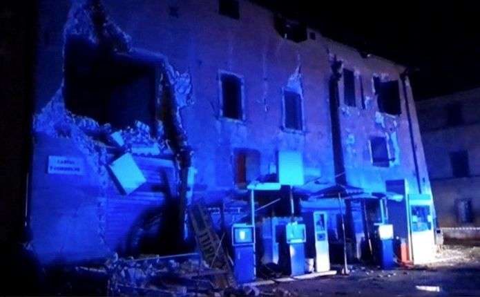 Наслідки серії землетрусів в Італії: одне містечко повністю зруйноване, є жертви