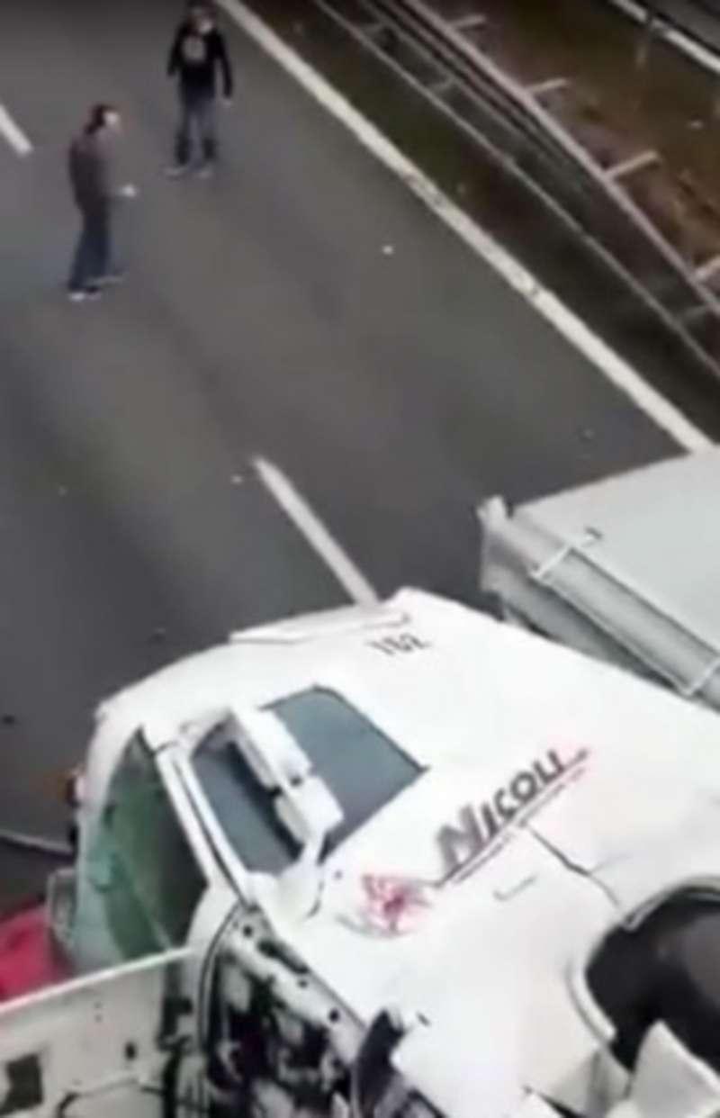 В Італії обвалилася естакада, десятки постраждалих