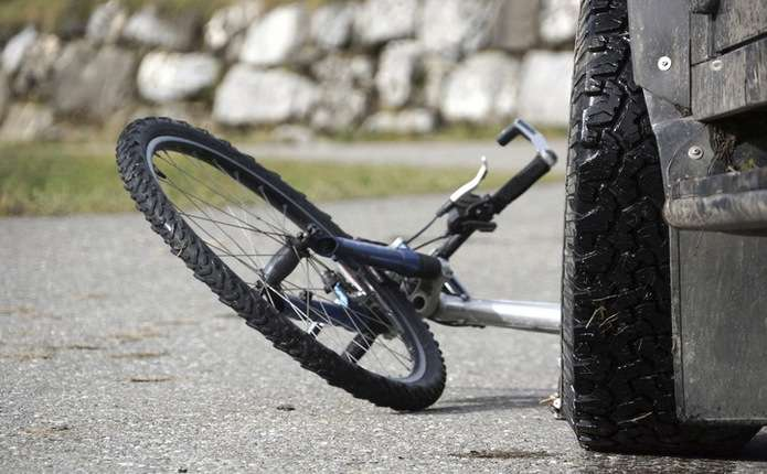 У Мамаївцях водій на Фольксвагені збив велосипедиста