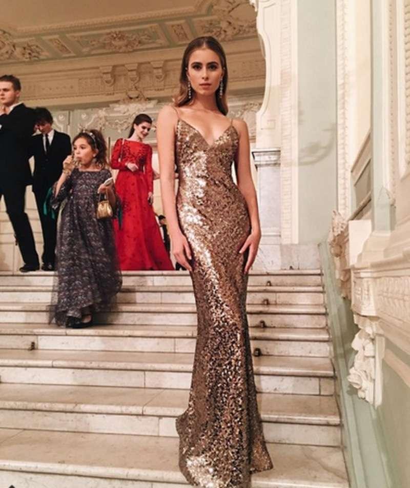 Онука Софії Ротару розважилася на балу у Москві