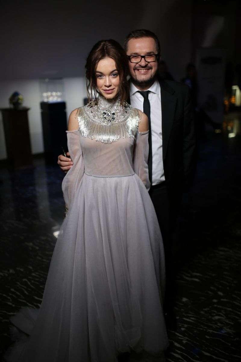 Марія Яремчук з'явилась на балу Viva у стильній сукні