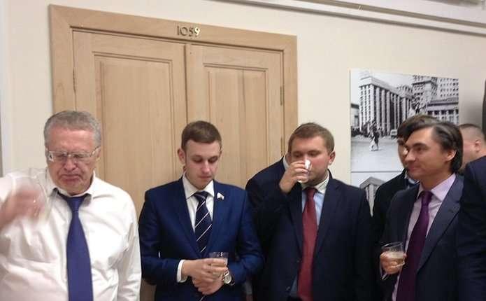 Жириновський влаштував у Держдумі банкет на честь Трампа