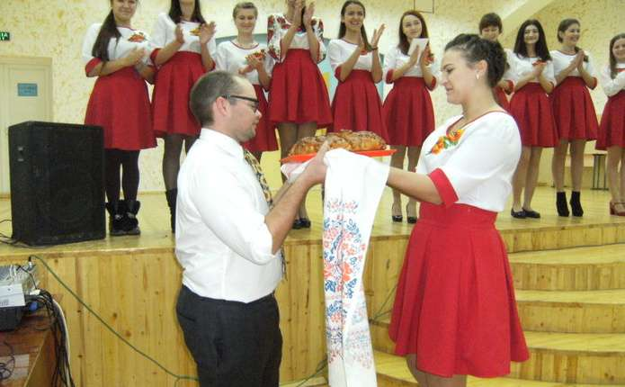 Американець викладатиме у Новодністровській гімназії англійську мову
