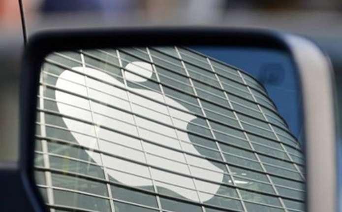 Apple планує розробку безпілотних автомобілів