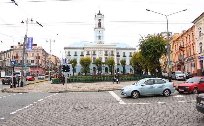 Фото з минулого: Як змінилося серце Чернівців за 115 років
