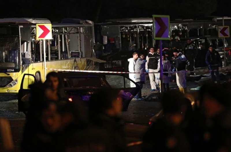 Під час вибуху в Стамбулі загинуло 15 осіб – ЗМІ