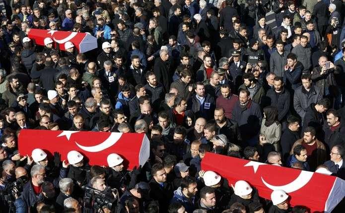 Кількість жертв теракту в Стамбулі збільшилася до 38 осіб
