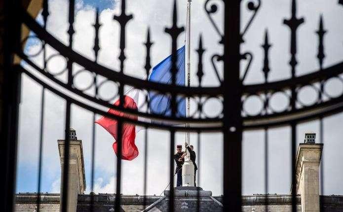 Парламент Франції ще на півроку продовжив надзвичайний стан