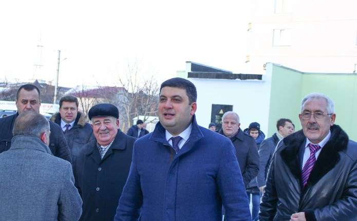 Прем'єр-міністр у Чернівцях говорив і про індустріальні парки