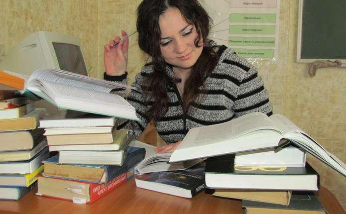 Студентів, котрі отримують стипендію, поменшає на третину