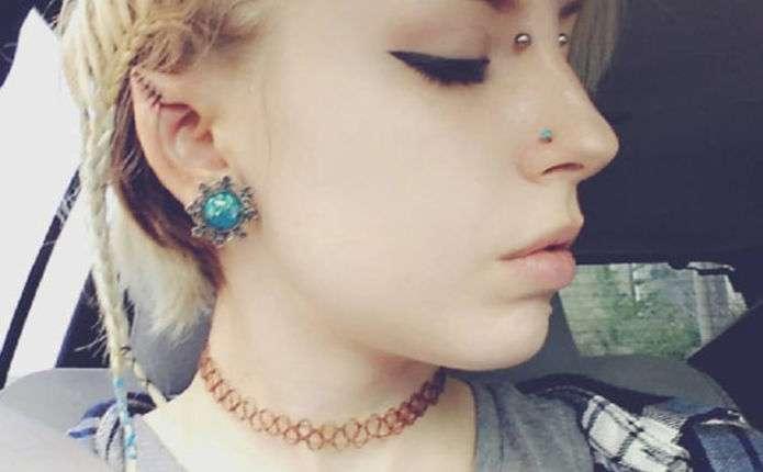 В мережі набуває популярності дівчина з вухами ельфа
