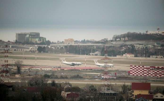 Названі можливі причини падіння російського літака Ту-154