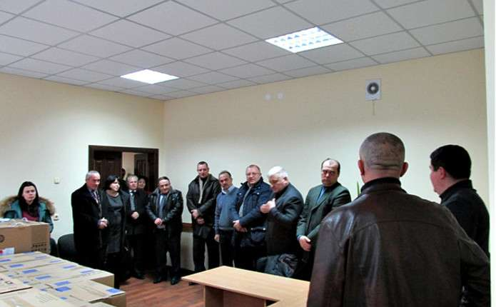 Шість навчальних закладів Герцаївського району отримали нові комп'ютери