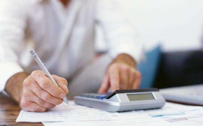 Українець створив калькулятор для розрахунку податків