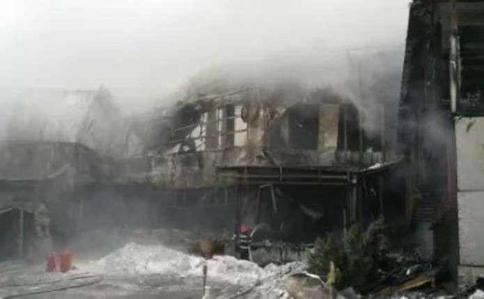 В нічному клубі Бухареста трапилась масштабна пожежа: постраждало більше 40 людей