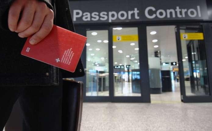 В австралійських аеропортах не будуть перевіряти паспорти