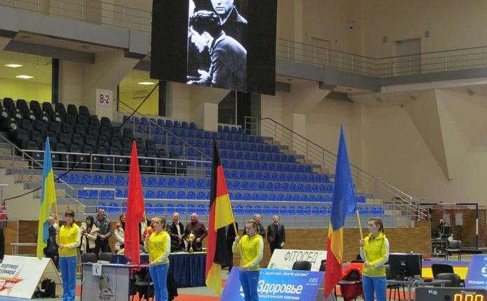 Двоє чернівецьких борців привезли золото з міжнародного турніру в Харкові