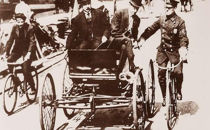 Перший у світі штраф за перевищення швидкості виписали 121 рік тому