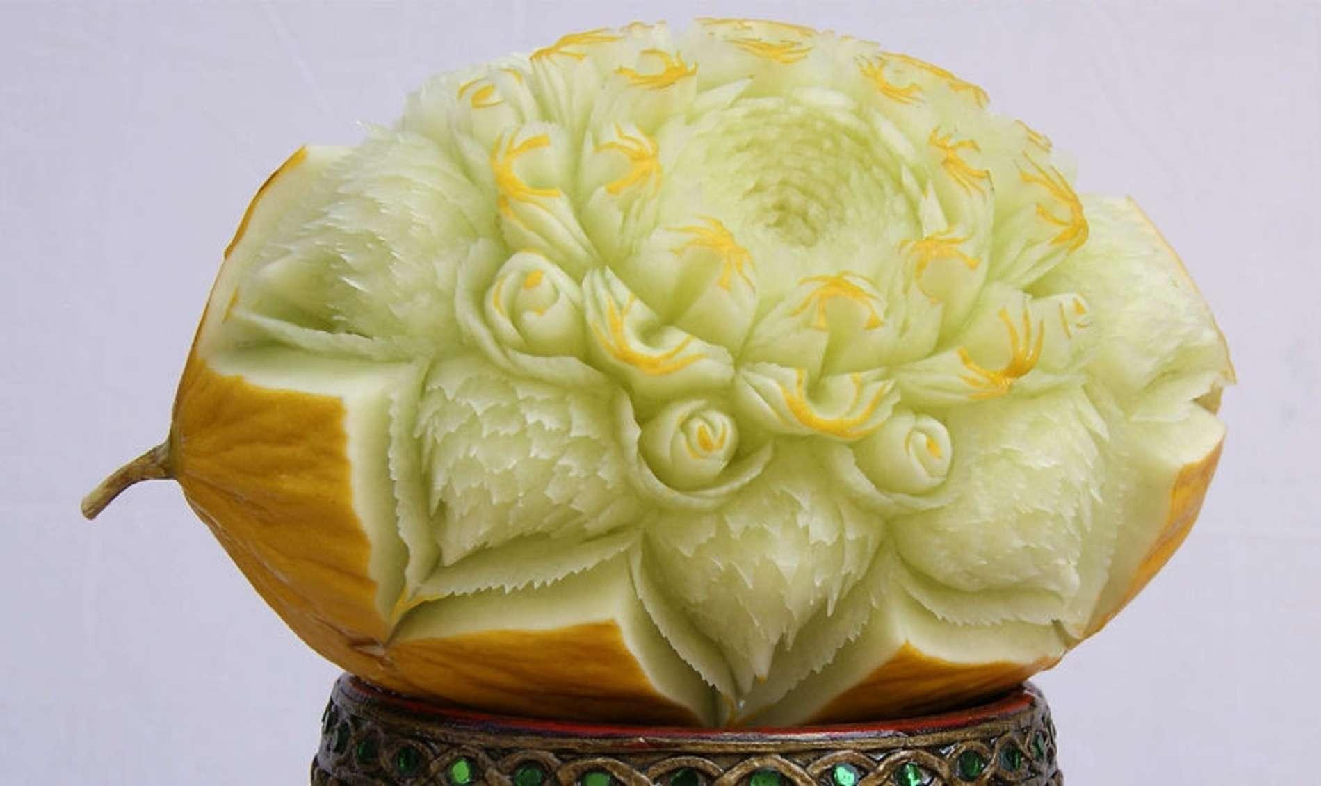 Кухар із овочів та фруктів створює справжні витвори мистецтва
