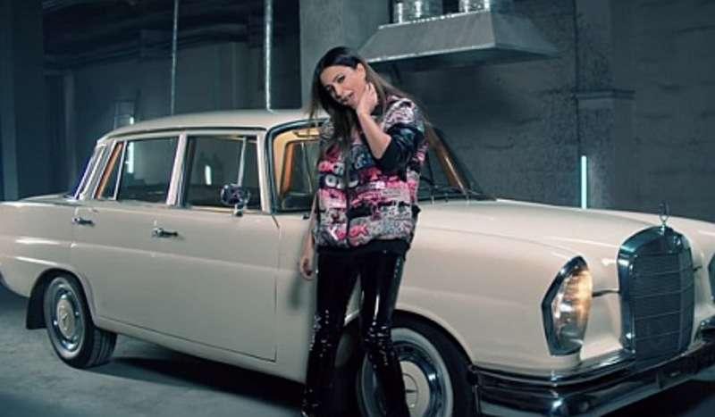 Ані Лорак у міні-шортах та латексі знялася в кліпі російського репера